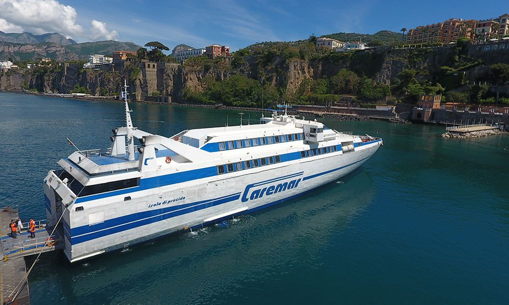 Schnelle Motorbootfähre Isola di Procida